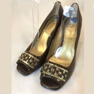 Tahari Block Pump Heels SZ 7.5 Brown Gold Braided